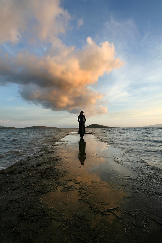 lonely_by_serhatdemiroglu